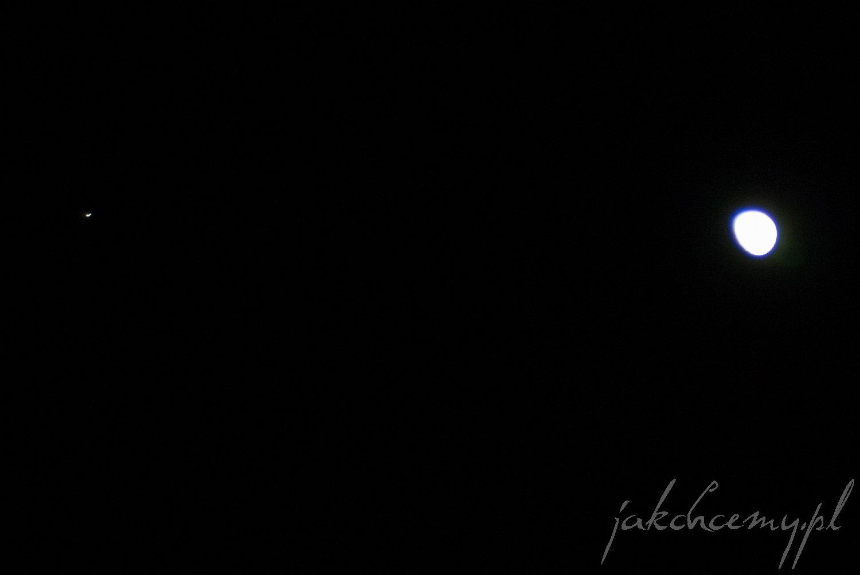 nocne niebo, ksiezyc i gwiazda