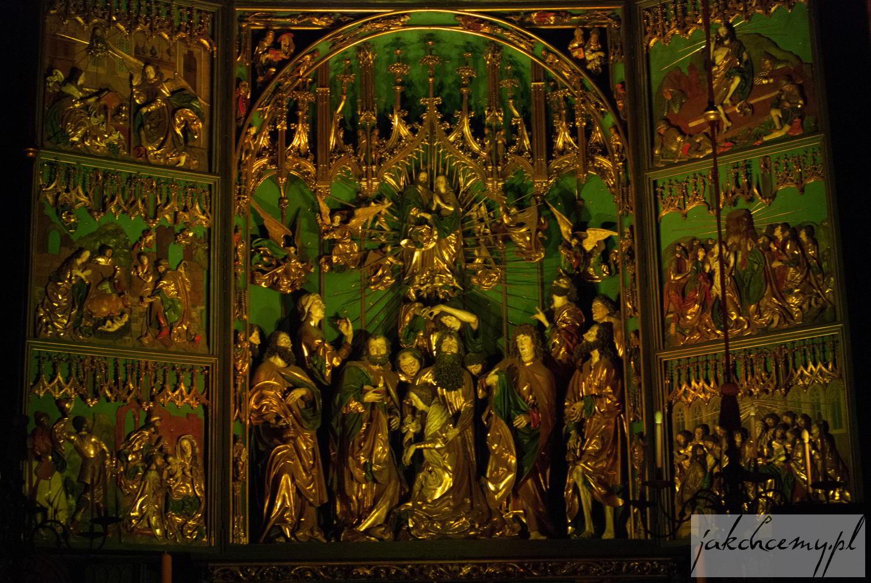 Ołtarz Wita Stwosza na zielono