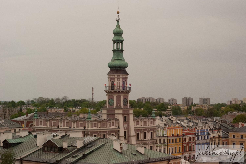 Ratusz zamojski widziany z wieży katedralnej