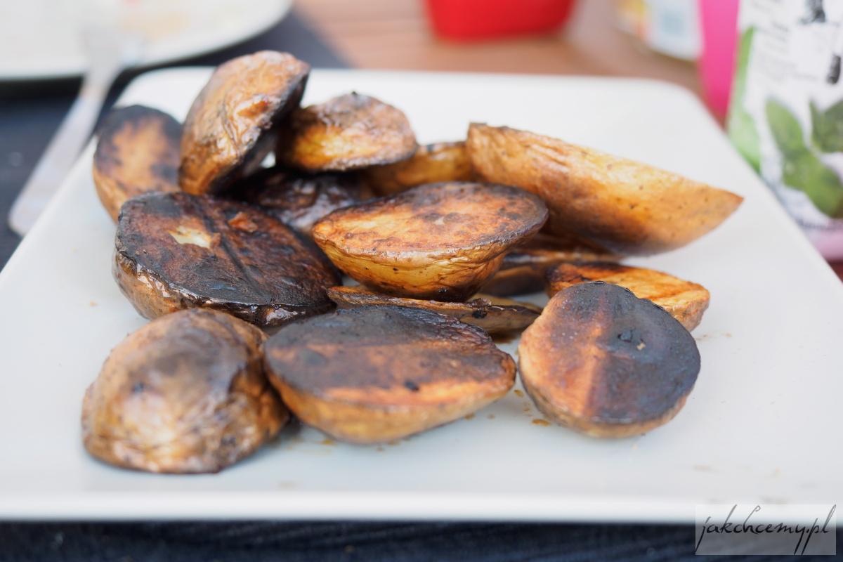 ziemniaki na talerzu