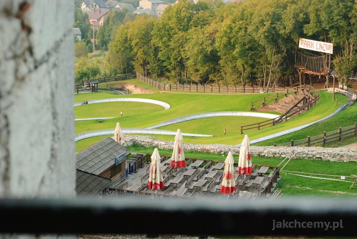 zamek panorama na park linowy i tor saneczkowy