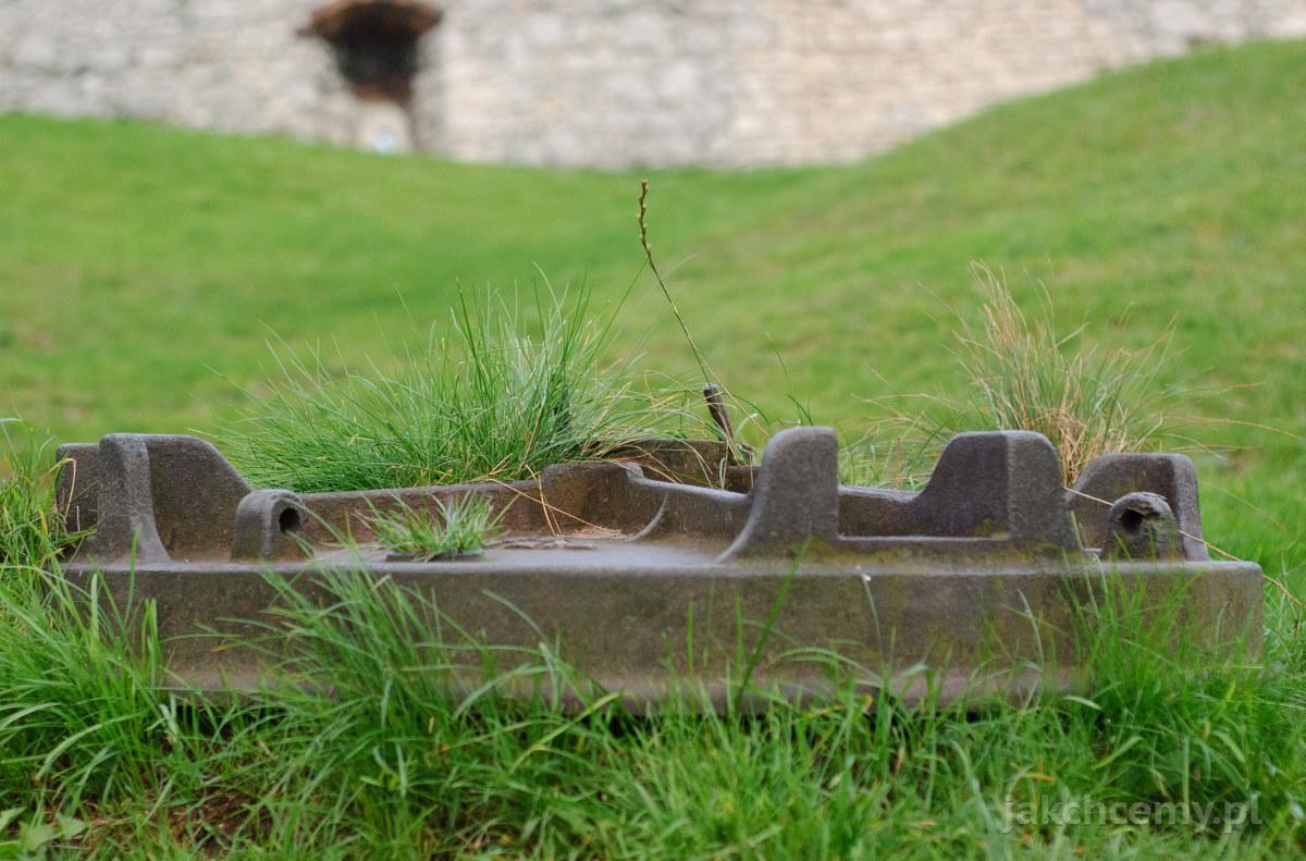zamek dziedziniec kierat