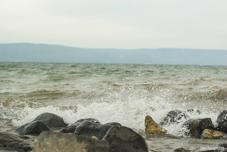 Genezaret. Wzburzone wody jeziora