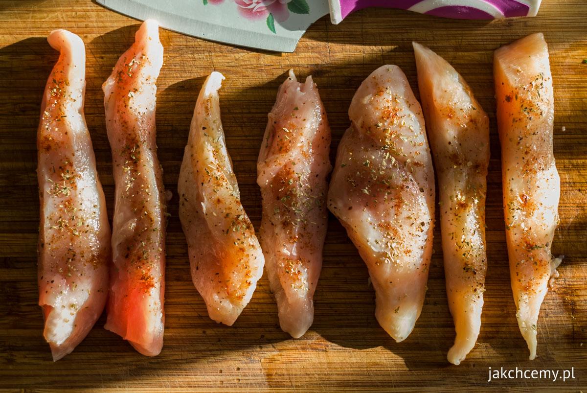 Kurczak w przyprawach i światło