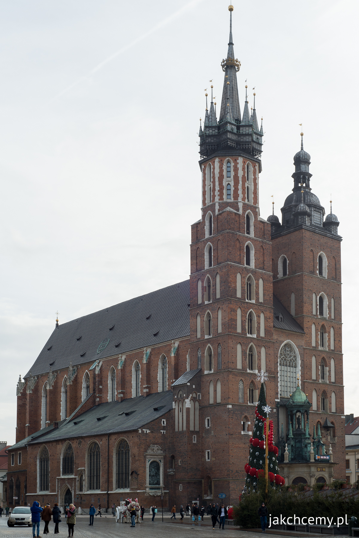 Kościół Mariacki i choinka